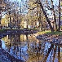 Весна в Петербурге. Лопухинский сад :: Евгений