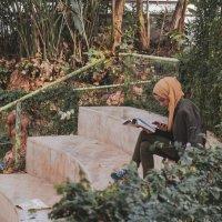 Девушка с книгой :: Осень