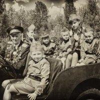Мы - последнее поколение, которое видит и может сказать спасибо ветеранам! С праздником Победы! :: Лилия .
