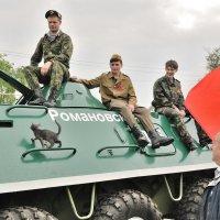 Солдат и котенка не обидит :: Надежда Парфенова