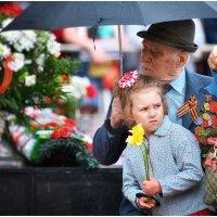 В этот праздник мы чествуем дедов... :: Антон Сологубов