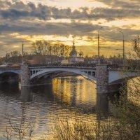 У моста :: Сергей Цветков