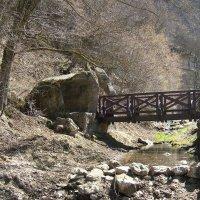 Грот и мостик  у реки :: Евгений БРИГ и невич