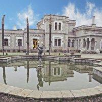 Пальмы  и фонтан Юсуповского дворца :: ИРЭН@ .