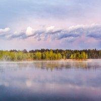 Туман над озером :: Вячеслав Ложкин