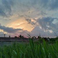 Закат на слободском хуторе :: Дмитрий фотограф