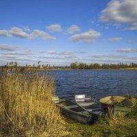 Лодки на озере :: Сергей Цветков