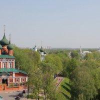 Вид со звонница Спасо-Преображенского монастыря. Ярославль :: Gen Vel