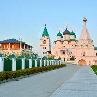 Вознесенский Печерский монастырь :: Леонид Иванчук