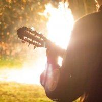 Песни у костра под гитару :: Artem