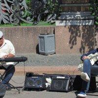 Уличные музыканты :: Татьяна Осипова(Deni2048)