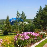 Утопая в зелени парка :: val-isaew2010 Валерий Исаев