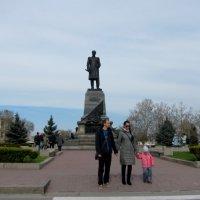 Памятник адмиралу Нахимову в Севастополе :: Людмила Монахова