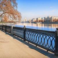 На Шлюзовой набережной :: Юлия Батурина