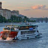 На реке :: Александр Зиновьев