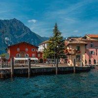 Озеро Гарда, городок Торболе Италия :: Игорь Геттингер (Igor Hettinger)