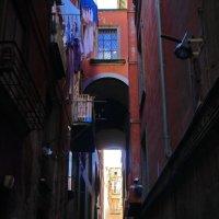 случайный прохожий в старом городе.... :: M Marikfoto