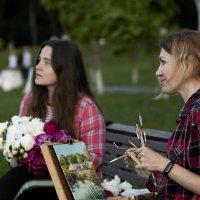Художница в старом парке г.Губкин :: Дмитрий Перских