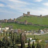 Судак. Вид на Генуэзскую крепость. :: ИРЭН@ .
