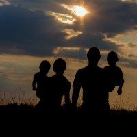 Идущие к солнцу :: Сергей