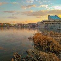 Закат над озером :: Александр Шишин