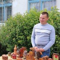 Резчик по дереву Сергей Козлов... :: Александр Широнин