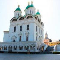 Успенский собор Астраханского кремля :: Любовь ***