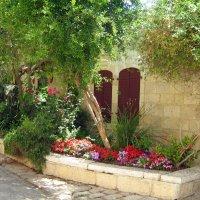 Иерусалимский дворик :: Гала