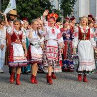 Праздник национального костюма :: Nina Karyuk