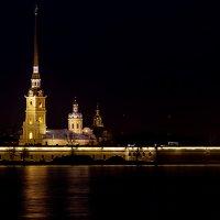 Вид на церковь во имя первоверховных апостолов Петра и Павла :: Андрей Николаевич Незнанов