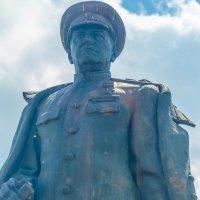 Памятник маршалу Г.К. Жукову. город Курск :: Руслан Васьков