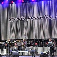 "Эмир Кустурица со своей группой ""The No Smoking Orchestra"" :: Nina Karyuk"