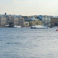 Санкт-Петербург. Виды с набережной Невы. :: Владимир Лазарев