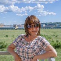 Девушка в очках :: Виктор Орехов