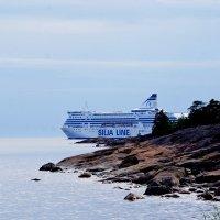Из-за острова на... волна, правда, морская :: Wirkki Millson