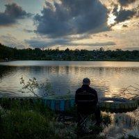 Вечерняя рыбалка ... :: Евгений Хвальчев