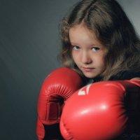в боксе только девушки..) :: Сергей Бойцов