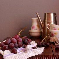 С веточкой винограда :: Наталья Казанцева