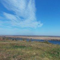 Белая птица -облако над рекой :: Galina Solovova
