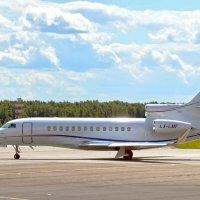 Dassault falcon :: Kylie Row