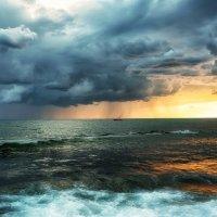 Начало шторма... :: Лилия .