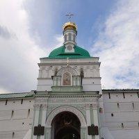 Красная надвратная башня со Святыми ворота :: Tata Wolf