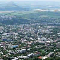 Вид на Пятигорск с вершины горы Машук :: Алексей Строев