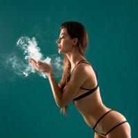 Ты любишь этот дым... :: Ася Гречуха