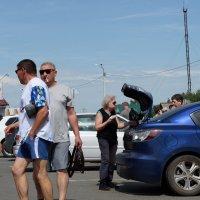 Туристы в Сростках :: Валерий Михмель
