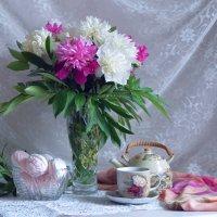 Чай с ароматом пионов :: Нина Синица