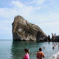На пляже в Симеизе. :: sav-al-v Савченко