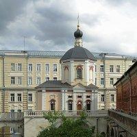 Церковь Петра и Павла в Высоко-Петровском монастыре :: Лидия Бусурина