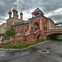 Высоко Петровский Монастырь :: юрий поляков