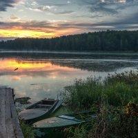 Встаёт над озером рассвет. :: Валерий Иванович